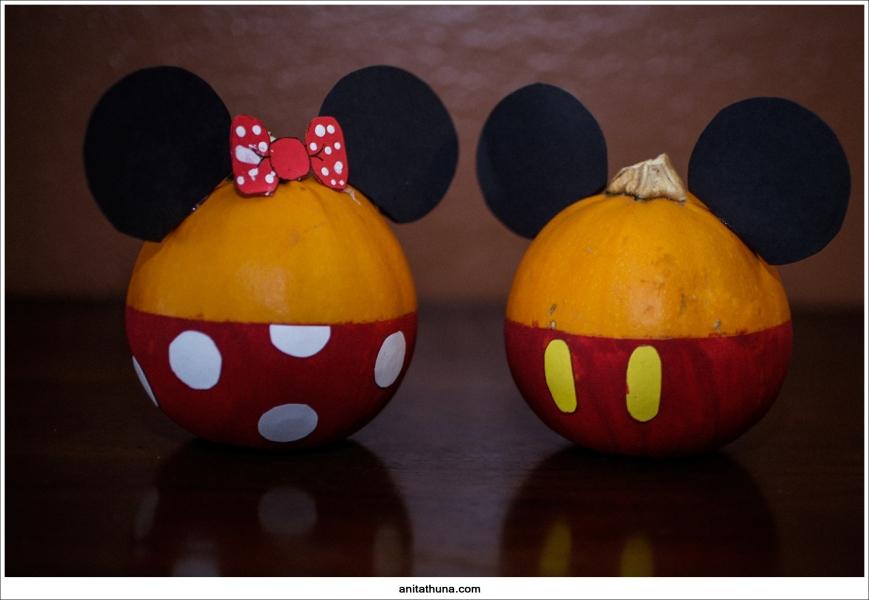 mickey pumpkins 001