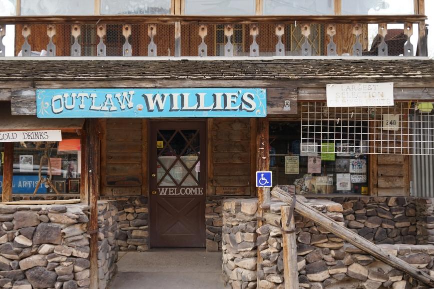 oatman town058